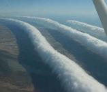 一连串的卷轴云。