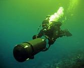 俄军特种部队蛙人演练水下渗透作战